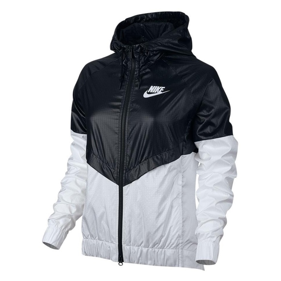 Nike Women Windrunner Windbreaker Black and White 2e7ce17e4